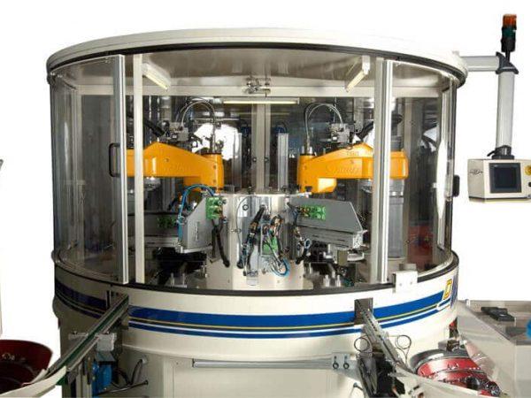 Machine d'assemblage spécifique DMA Machines
