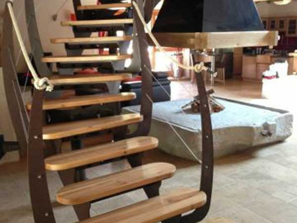 DMA concepteur de machines industrielles, réalise aussi vos ensemble en mécano soudure ( escalier, châssis, etc.. ).