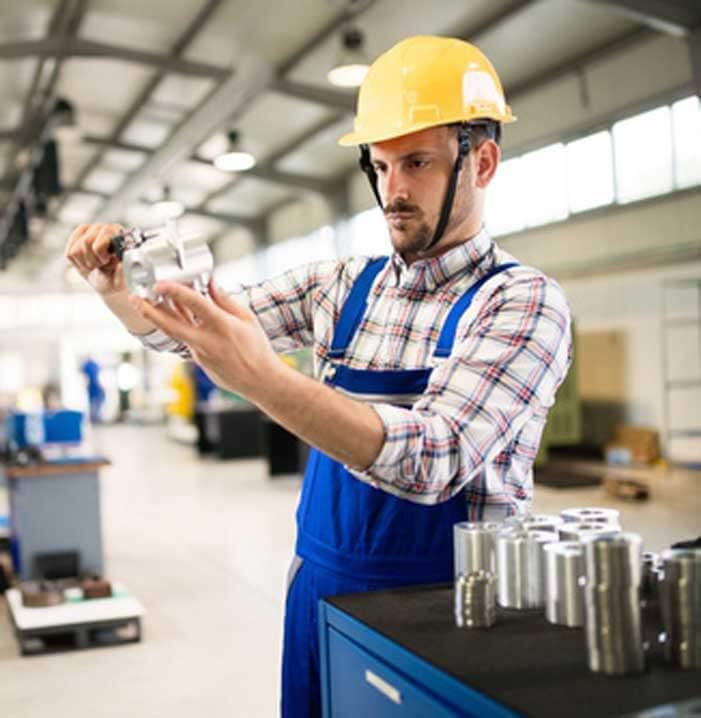 Während der Konstruktionsphase Ihrer Sondermaschine hört Ihnen DMA, Hersteller von Industriemaschinen, zu, versteht Sie, kennt Ihre Herausforderungen und Ihre Zuverlässigkeitsbedürfnisse.